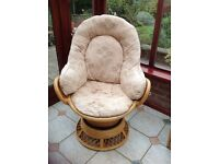 Conservatory suite comprising of Two swivel chairs and a two seater sofa.