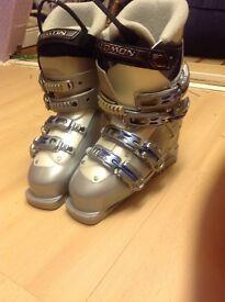 Ladies Soloman Ski Boots