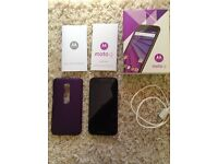 MOTO G3 8gb 02 phone boxed with hard cover