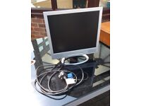 14 inch LCD Computer Monitor with built in stereo speakers