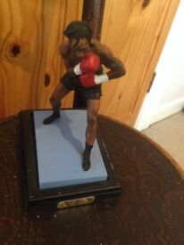 NIGEL BENN BOXING FIGURINE THE DARK DESTROYER