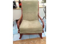 Rocking / nursing chair