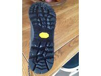 Waterproof men's mountain boots