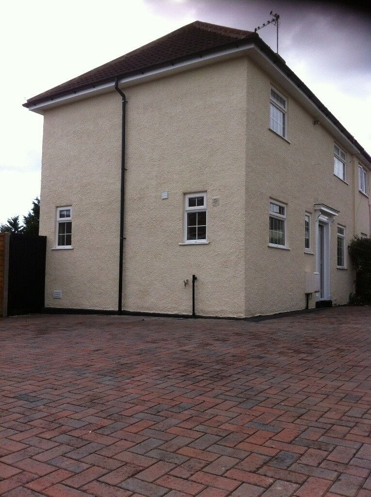 3-BED ROOM HOUSE TO RENT BS9 (UNFURNISHED)