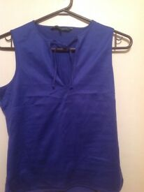 FRENCH CONNECTION TOP blue silky M 10