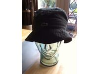 BNWT LACOSTE BUCKET HAT KAKI -ARMY GREEN