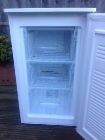 **UNDERCOUNTER FREEZER**ONLY £65**FREEZER**MANY MORE AVAILABLE**COLLECTION\DELIVERY**BARGAIN**