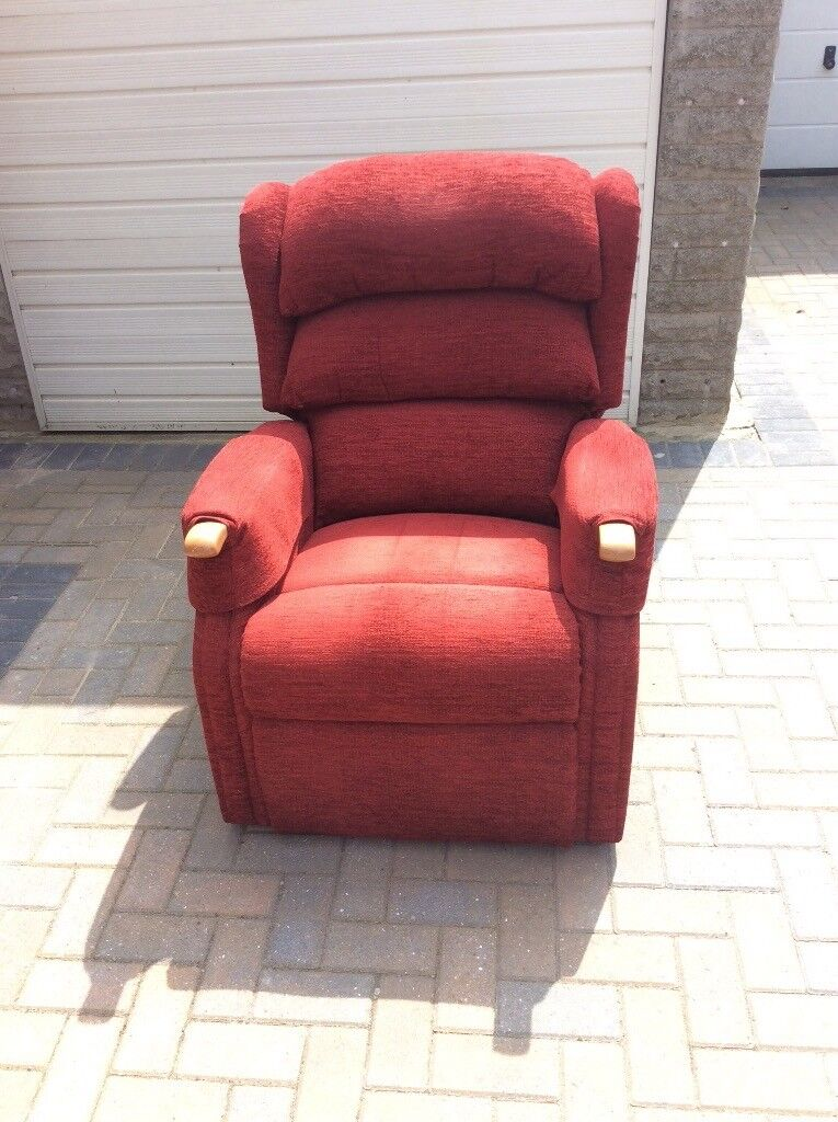 Hsl Electric Recliner Chair Red Fabric Good Condition