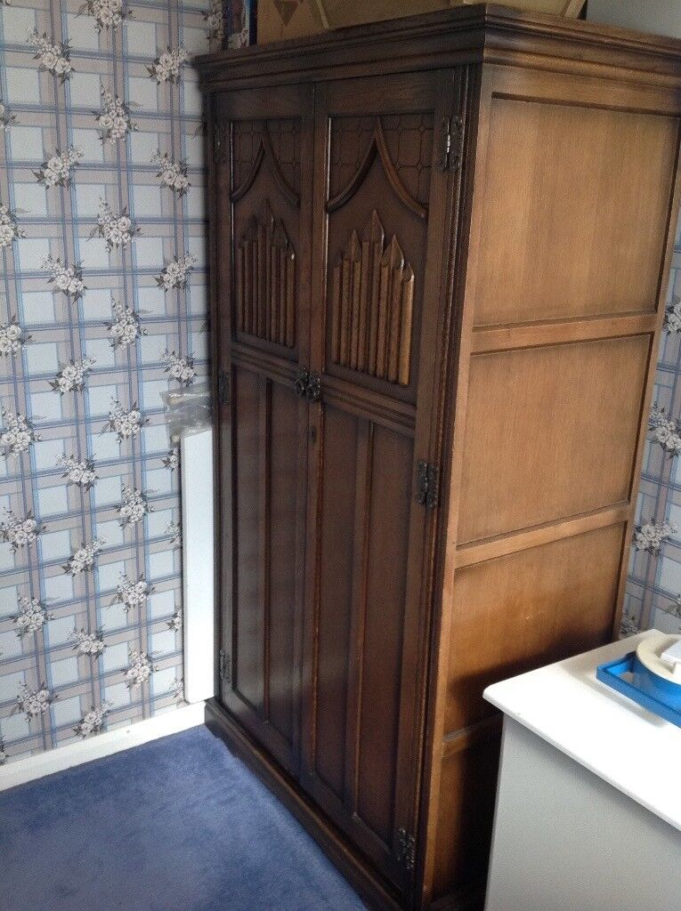 Old Charm bedroom furniture