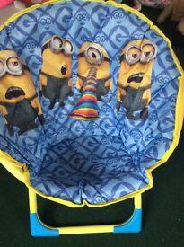 Minions half moon chair