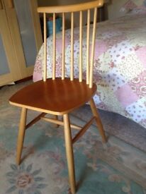 Kitchen chairs. Set of 4.