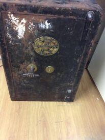 Thomas Perry & Son bilston Vintage safe