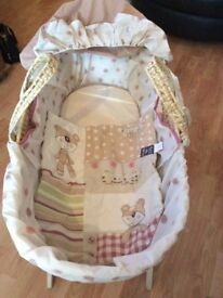 Baby Moses basket with stand sheets