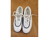 Nike Ladies size 4 Golf Shoes