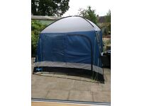Camping kitchen tent. good condition