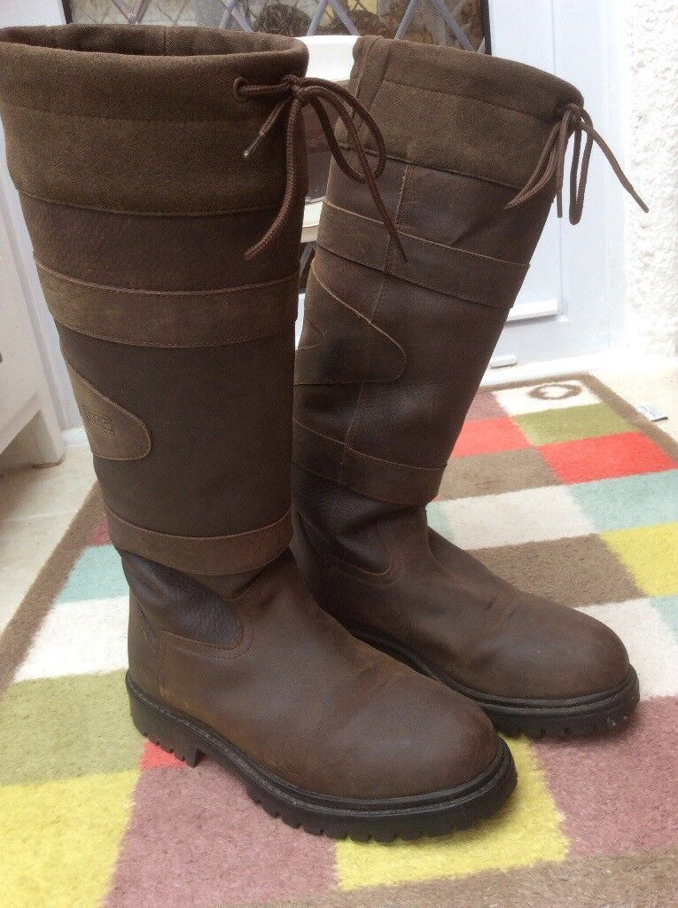 Ladies Toggi Quebec Leather boots in brown size 5
