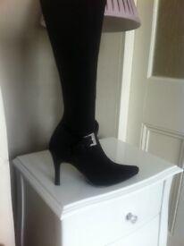 Boots black with diamanté buckle