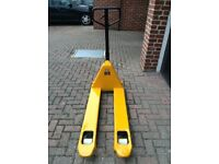 Pallet Truck Fully reconditioned serviced and resprayed. Perfect working order.