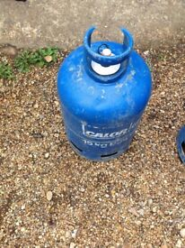 Gas bottle 15 kg lots of gas in it