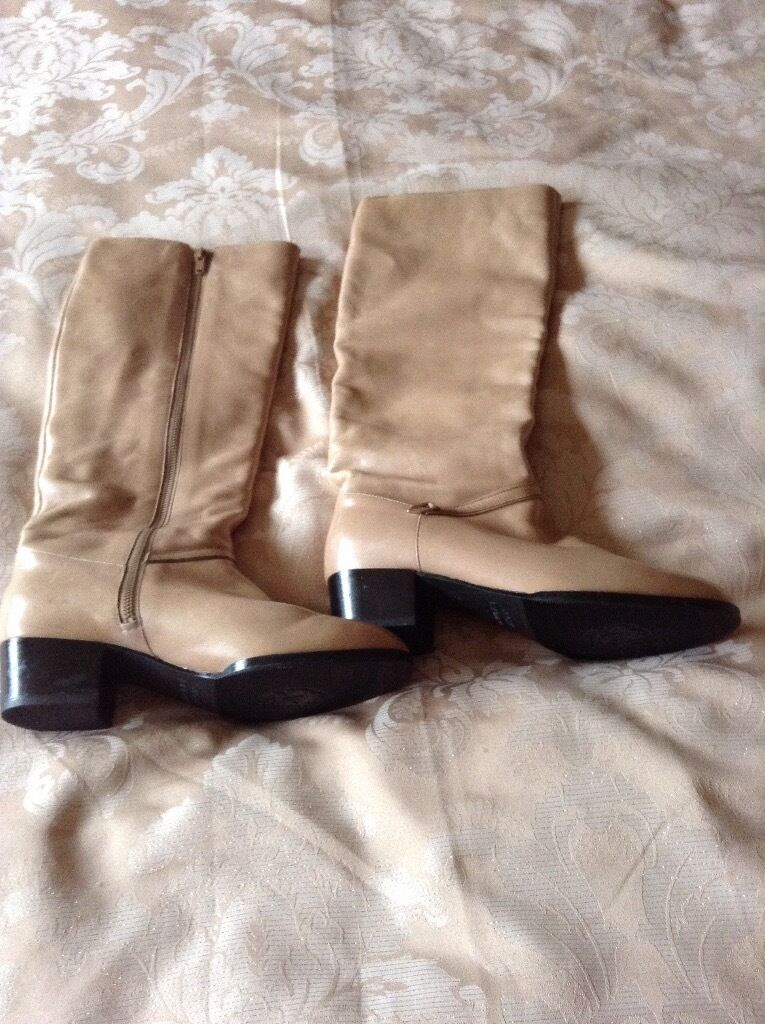 Lovely Russell and Bromley Tan Knee High Boots size 5 Excellent Condition