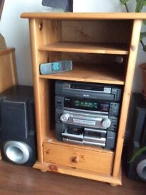 Aiwa Compact Disc Stereo System Z-R880 Tape Deck not working and no turntable in a pine unit