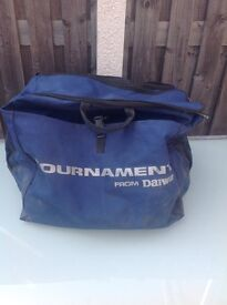 Daiwa tournament all good zips just needs a clean new equipment so surplus to requirements