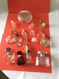 LARGE COLLECTION OF PERFUME BOTTLES