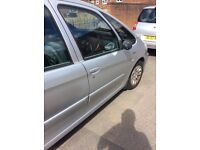 EXCELLENT CONDITION,2004 diesel Picasso,long mot,£750 ONO