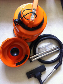 Vacuum cleaner & carpet washer - almost new