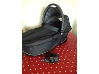 Quinny Speedi Carrycot with Adaptors and Raincover