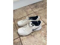 NIKE TRAINERS (size 8)