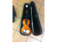 Brand new full size violin. Comes with bow, rosin and case. Great item ideal for beginners