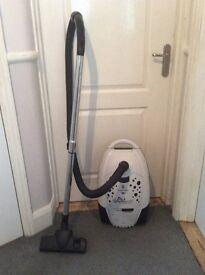 Russell Hobbs Dalmatian Bagged Vacuum Cleaner