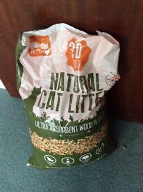 Cat food bundle and litter