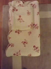 THROW FOR DOUBLE OR SINGLE BED + PILLOW CASE