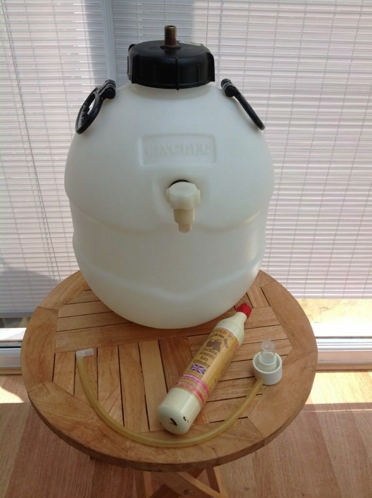 King Keg Home Brew Pressure Barrel with CO2 gas cylinder  | in Epsom,  Surrey | Gumtree