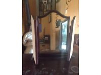 Vintage style bed room dresser with a mirror £10
