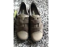BRAND NEW LADIES HOTTER SHOES - Size 4