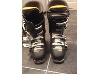 Men's Salamon ski boots Size 8.5