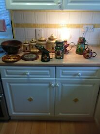 Assorted items of hand painted canalware