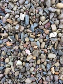 20 mm riverbed garden and driveway chips / gravel