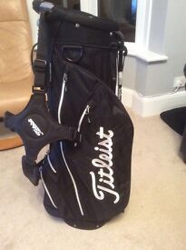 Titleist Golf Bag Excellent Condition