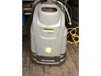 Professional hot diesel power washer .. Great for driveway / patio / decking cleaning