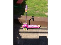 Minnie mouse 3 wheel scooter excellent condition