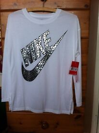 NIKE GIRLS LONG SLEEVE TOP * NEW *