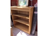 Deep shelf oak in very good condition it can not be put apart