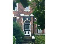 Sefton Pk/Lark Ln. Large 2nd floor studio with own kitchen and bathroom in quiet Victorian house