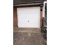 White Garage Door - Excellent condition. Detached and ready to take away