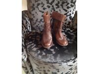 Clarks woman's ankle boots