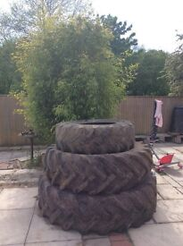 Old tractor tyres (FREE) great gardening/play project